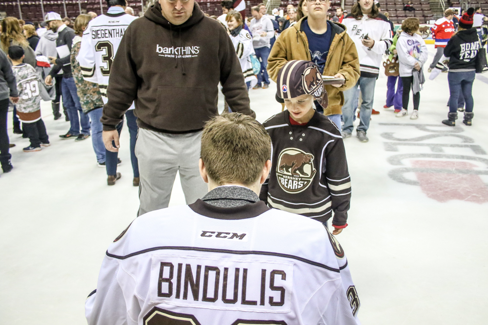 Bindulis Signs A Few More Autographs