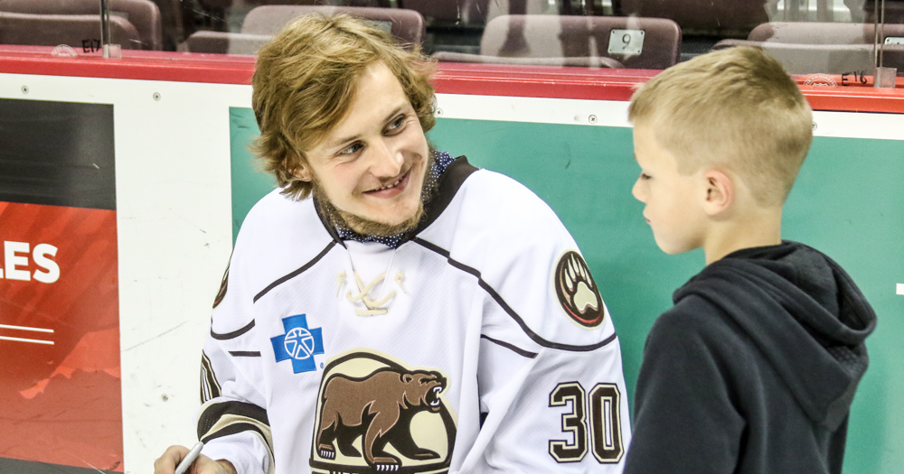 Photo gallery: Hershey Bears autograph night