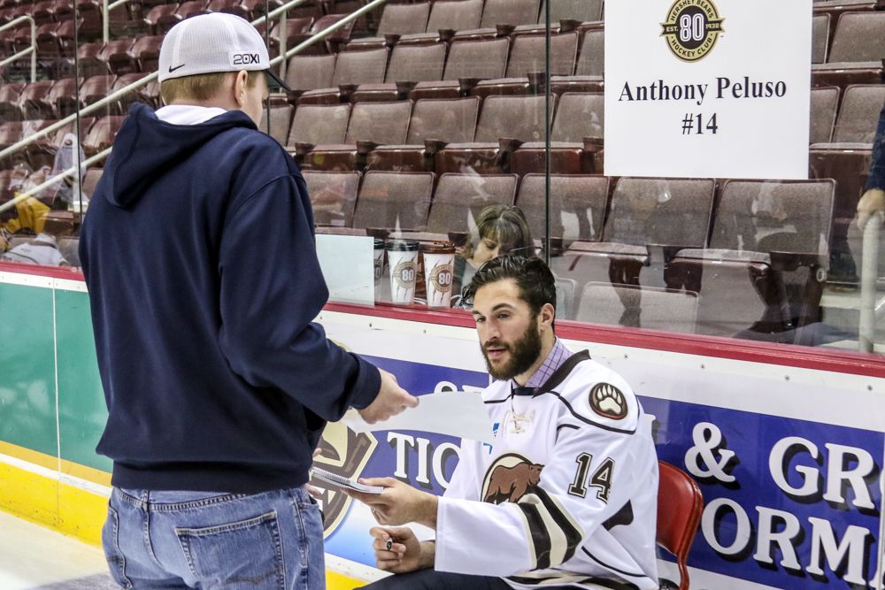 Anthony Peluso Switches Team Photos To Sign