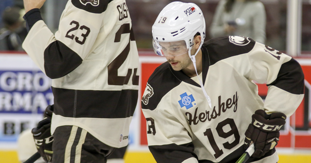 VIDEO: Riley Barber scores power play goal to put Hershey up 1-0 in Providence